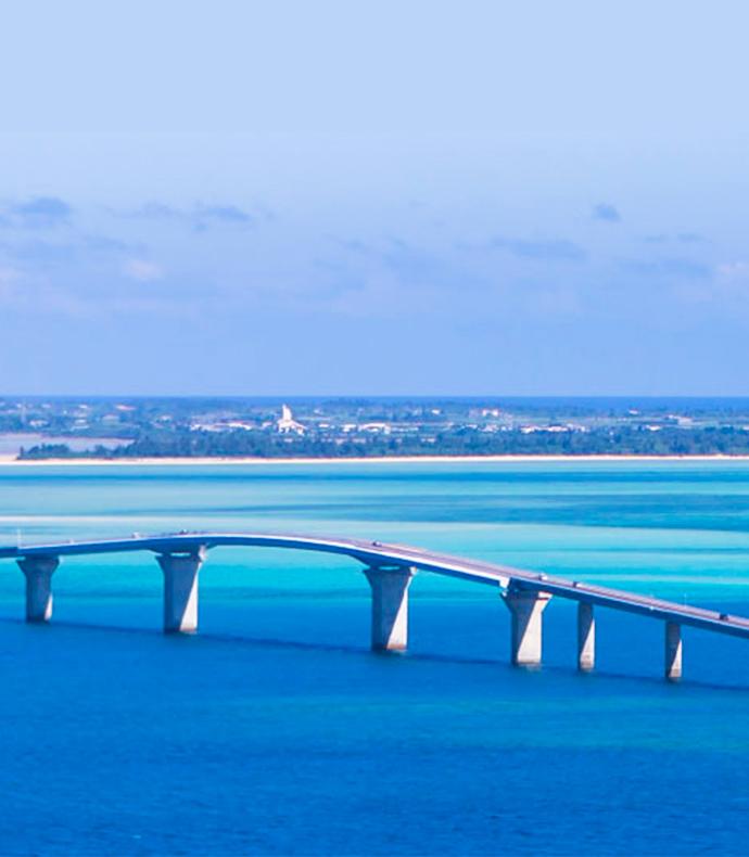 宮古島空港から約15分宮古島から伊良部大橋を渡り左折約600m